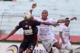 """Hasil Liga 1: Persipura ditahan Bali United, Jacksen Tiago puas tempati """"runner up"""" klasemen"""