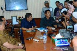 Tujuh Fraksi DPRD Padangsidimpuan serahkan komposi AKD
