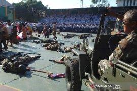Pelajar SMKN 1 Garut peringati Hari Pahlawan dengan teatrikal peperangan