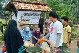 Pelindo - ACT  distribusikan 105.000 liter air bersih