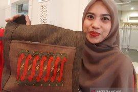 Karawo kini tampil dalam bentuk produk tas