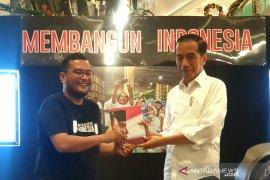 """Pameran foto """"Membangun Indonesia"""", swafoto Jokowi-Prabowo jadi perhatian pengunjung"""