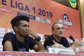 Pelatih: gol pertama Persib ganggu konsentrasi pemain Arema FC