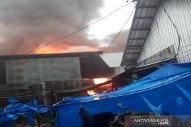 Seorang tewas dalam kebakaran yang menghanguskan  17 rumah