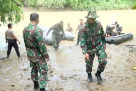 Kodim 0201/BS gelar patroli bangkai babi menanggapi keresahan warga