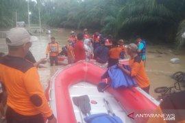 BPBD Aceh Utara turunkan speed boat evakuasi warga