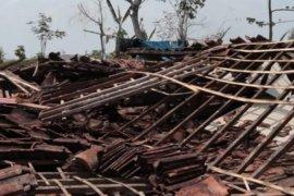 Angin kencang rusak puluhan rumah di Ngawi