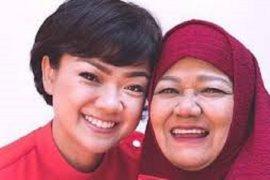 Turut berduka, Ibu Nirina Zubir  wafat
