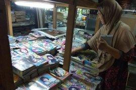 Akibat gadget buku teka teki silang ditinggalkan para remaja