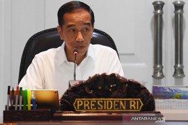 Jokowi sebut 62 kasus terduga virus Corona di Indonesia semuanya negatif