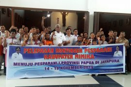 Wabup Mimika harapkan kontingen Pesparani Mimika berprestasi di Jayapura