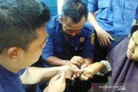 Petugas Damkar Bogor berhasil bantu warga kesulitan melepas cincin