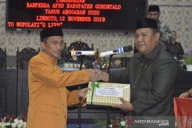 Pemkab Gorontalo serahkan Ranperda APBD ke DPRD