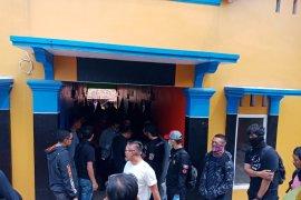 Densus 88 tangkap suami istri terduga teroris di Cianjur