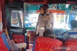 Polantas Polres Sukabumi Kota periksa kelaikan bus di terminal