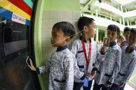 Tansaksi pembayaran berbasis digital di sekolah