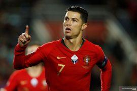 Hattrick Ronaldo warnai pesta gol Portugal ketika jamu Lithuania