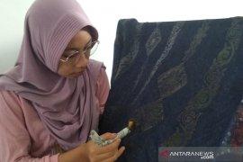 Pengrajin batik di Aceh manfaatkan media sosial untuk promosi