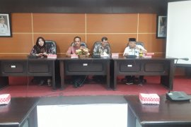 Komisi II kunker ke Dinas Koperasi dan UKM Provinsi Kalsel