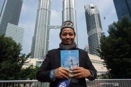 Dosen ITS luncurkan buku di KLCC Kuala Lumpur
