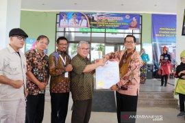 RSUP Soekarno Babel terima sertifikat akreditasi paripurna SNARS
