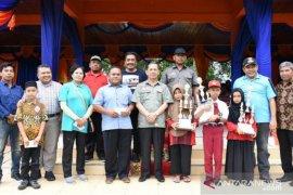 Lomba puisi dan drum band meriahkan HUT ke- 69 Pemkab Tapsel berakhir