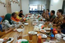 Tim Humas Kemendikbud silahturahmi bersama awak media di Bangka