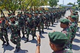 TNI gelar peringatan Hari Anak Sedunia dengan anak-anak di perbatasan