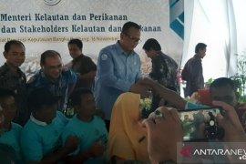 Menteri Kelautan Perikanan gelar dialog dengan nelayan Sungailiat