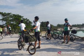 "Peserta ""CitiCyclink Bike to Nature"" kagumi keindahan alam di Belitung"