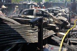 Pasar Bendul Merisi Terbakar