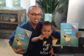 "Anak berebut payung jadi inspirasi penulis buku ""Payung Nina"""
