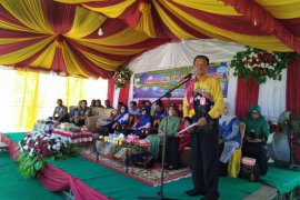 Bupati minta warga Desa Simpang Empat Sungai Baru menjaga kerukunan