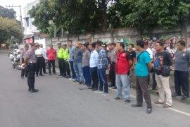 Polres Binjai razia terkait dugaan teroris melintas bawa senjata tajam