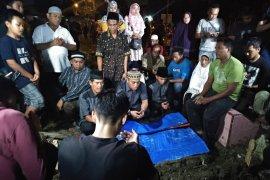 Berita kemarin,  dari penangkapan terduga teroris hingga tes urine pilot batik air