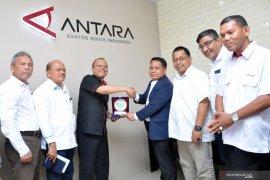 Kunjungan Rektor Unimed ke LKBN ANTARA Sumut