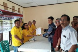 Bupati Samosir dan lima balon lainnya ambil formulir di Golkar