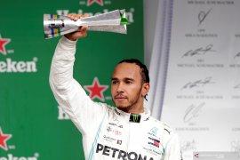 Terlibat insiden dengan Albon, Hamilton kehilangan podium GP Brazil