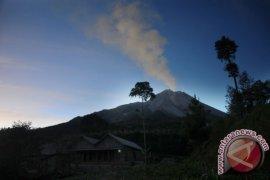Kementerian ESDM : Masyarakat diharapkan jangan panik terkait letusan Merapi