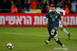 Melalui tendangan penalti Messi selamatkan Argentina dari kekalahan kontra Uruguay