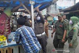 Razia PKL di Padangsidimpuan berjalan aman dan damai