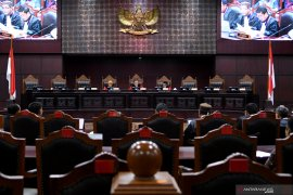 MK tolak uji materi revisi UU KPK yang diajukan 190 mahasiswa