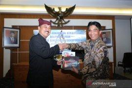 Bupati Belitung Timur belajar program inovasi di Banyuwangi