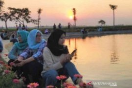 Bekasi kembangkan destinasi wisata swafoto 'Taman Pelangi'