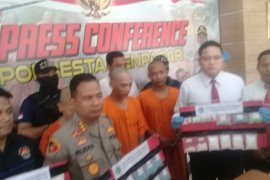 Polresta Denpasar tangkap kurir ribuan ekstasi