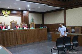 Nelayan penyuap Gubernur Kepulauan Riau dituntut 2 tahun penjara dan denda Rp50 juta