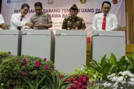 Pemusnahan Uang Palsu Di Bandung
