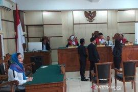 Penyanyi Ashanty digugat dalam sidang di pengadilan negeri