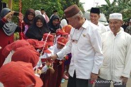 Safari maulid di Desa Banua Supanggal, Bupati HST disambut puluhan anak TK dan SD