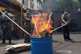 Kejari Kota Cirebon musnahkan barang bukti narkotika